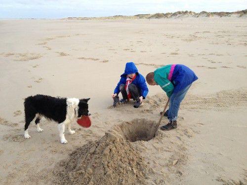 Op zoek naar de andere kant van de wereld op het strand bij Maudsplekje