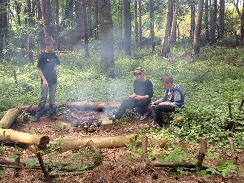 Voorbereidingen voor de stokbroden bakken - op vakantie met Maudsplekje